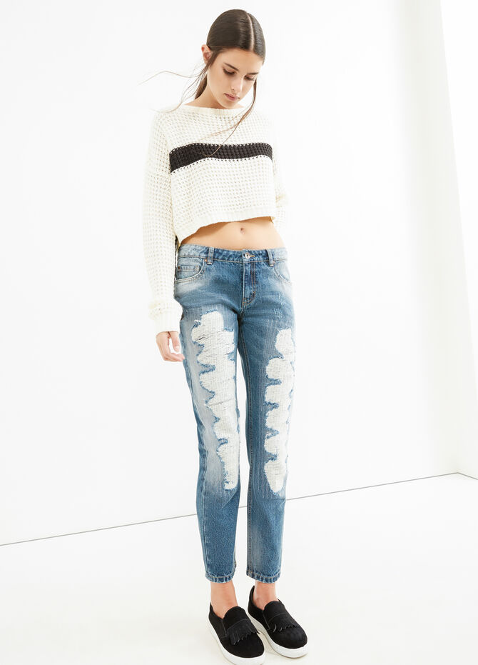 Used-effect, ripped girlfriend jeans