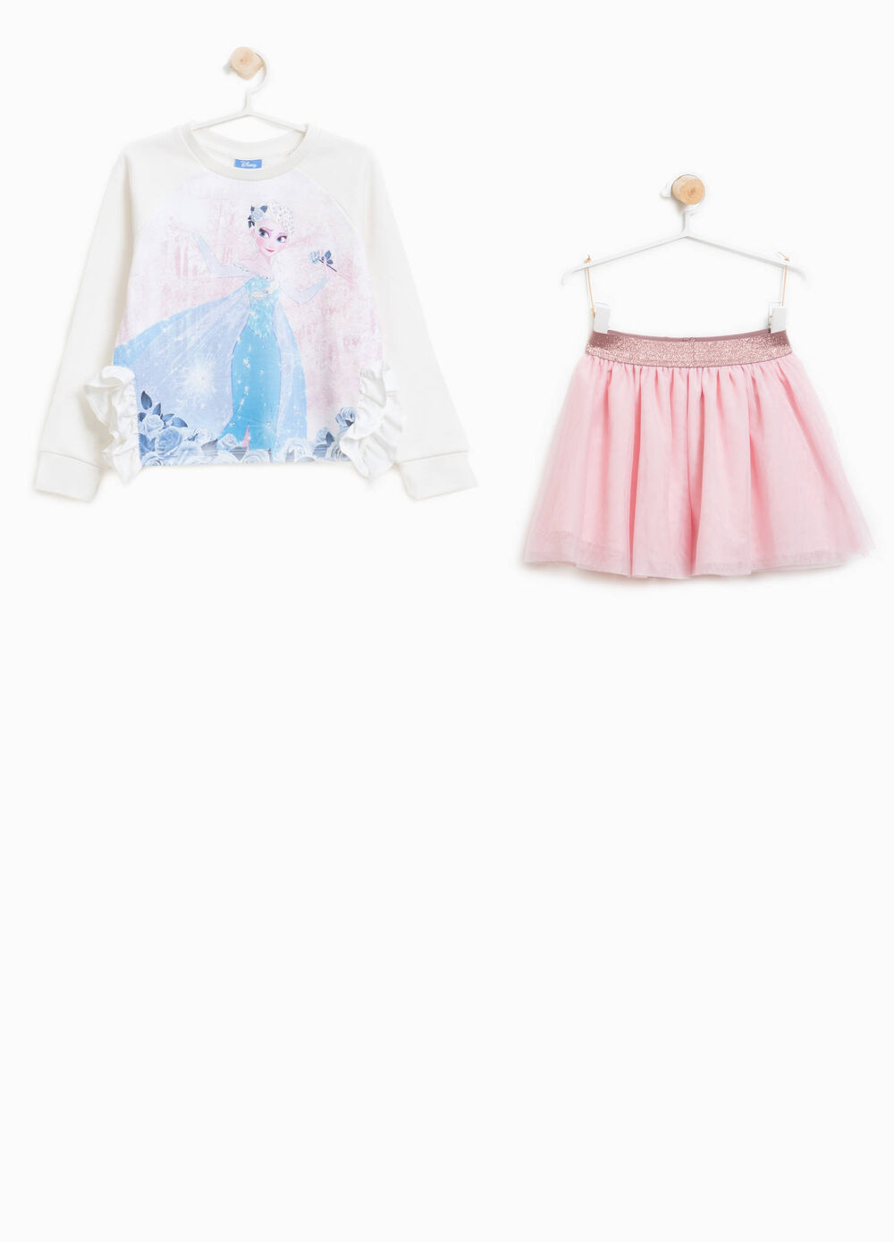 Frozen sweatshirt and skirt outfit
