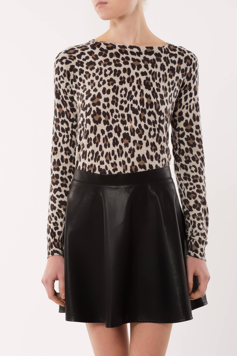 Animal print pullover image number null