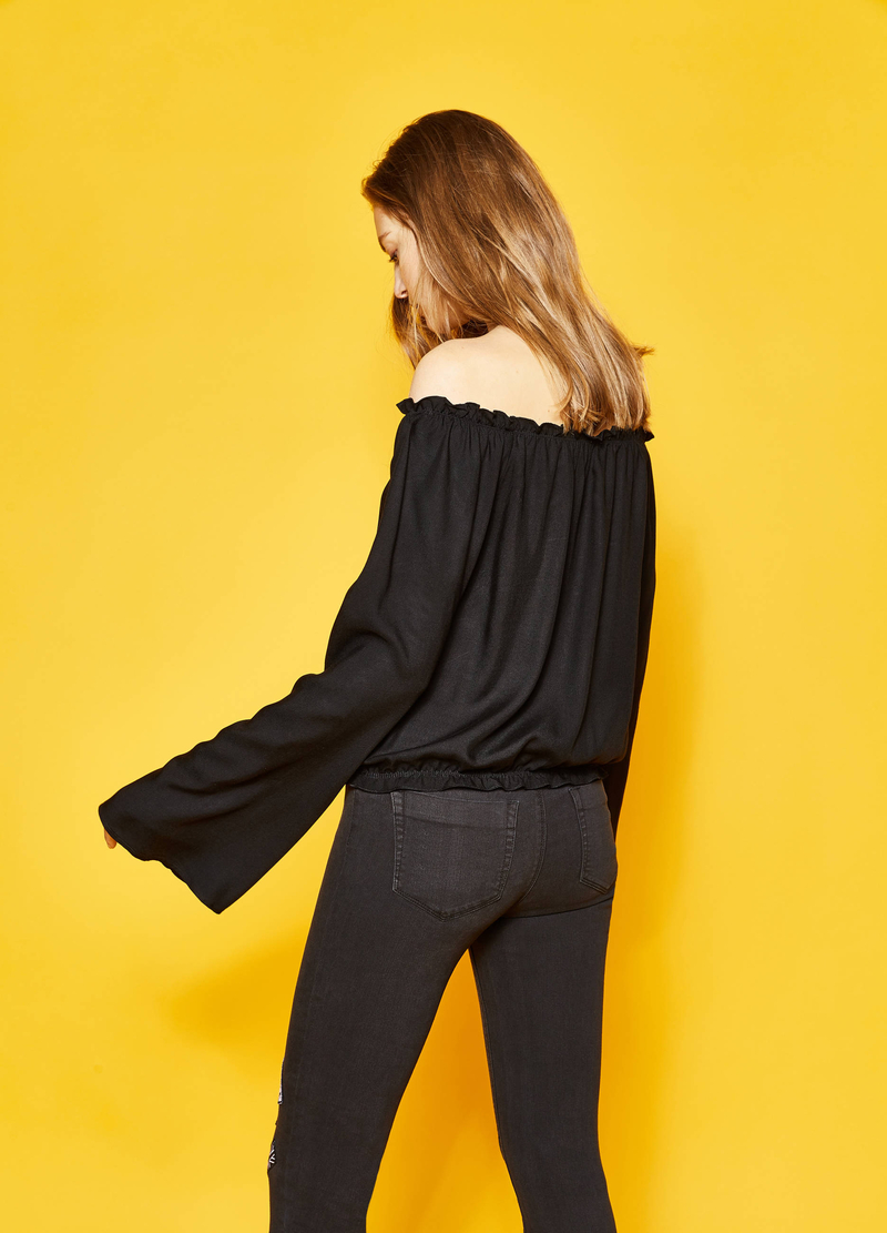Blouse with elasticated hem image number null
