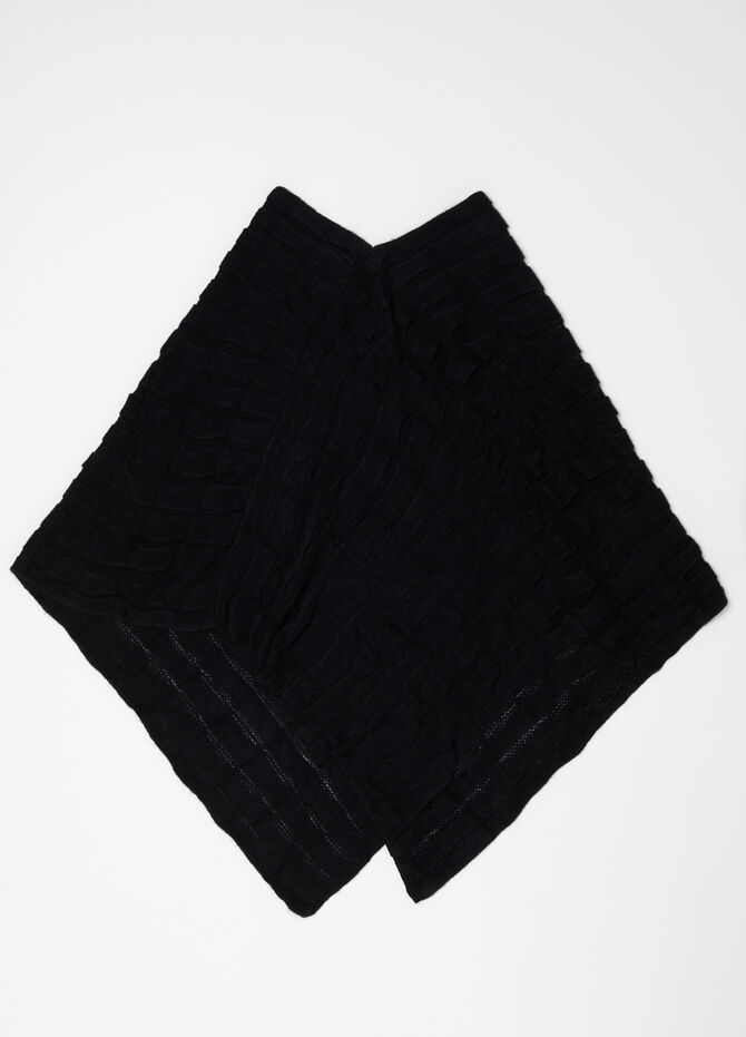 Poncho with flounced motif