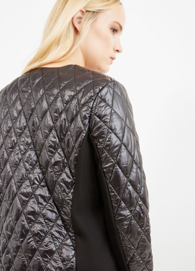 Curvy lightweight down jacket with diamond-shaped quilting