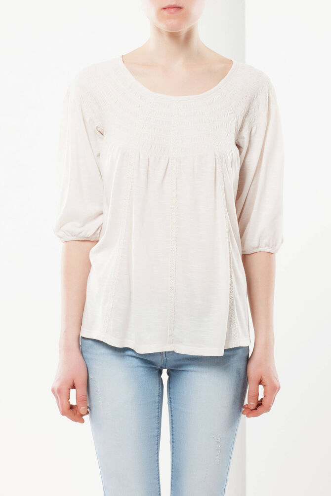T-shirt with smocked neckline