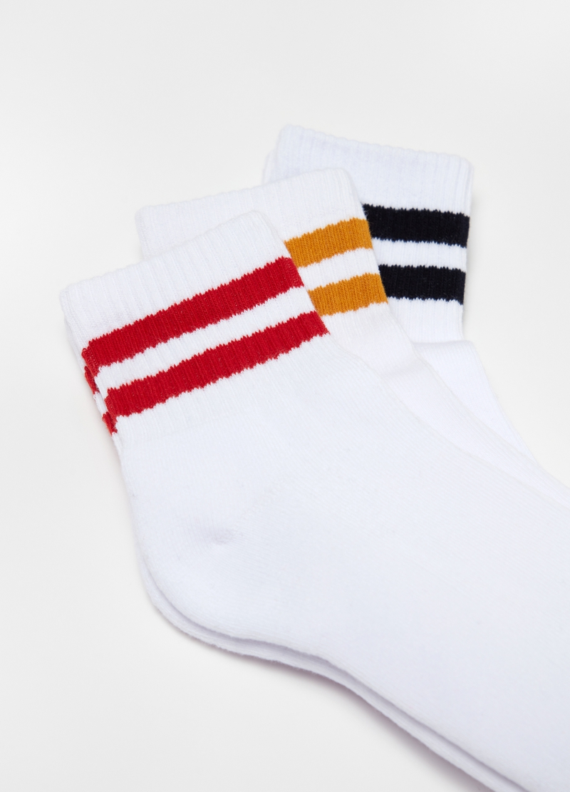 Three-pair pack short socks in striped trim image number null