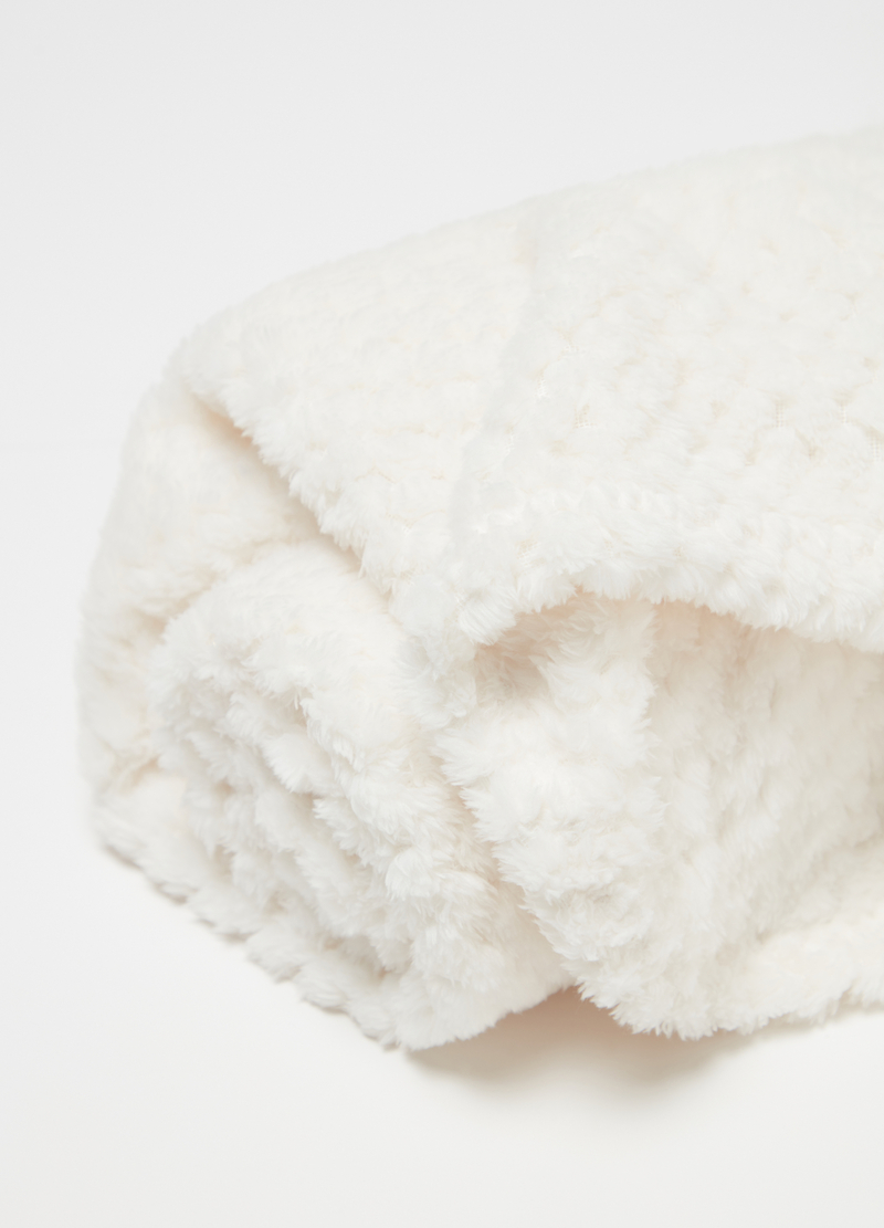 Soft blanket in soft waffle weave fleece image number null