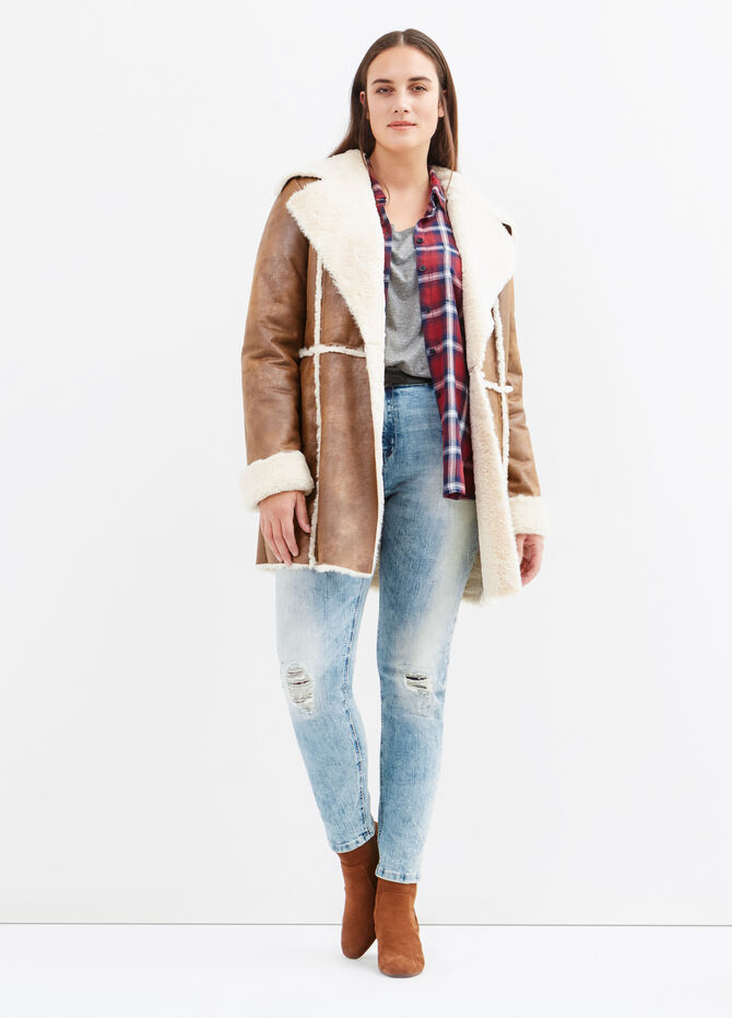 Curvy leather-look jacket with faux fur