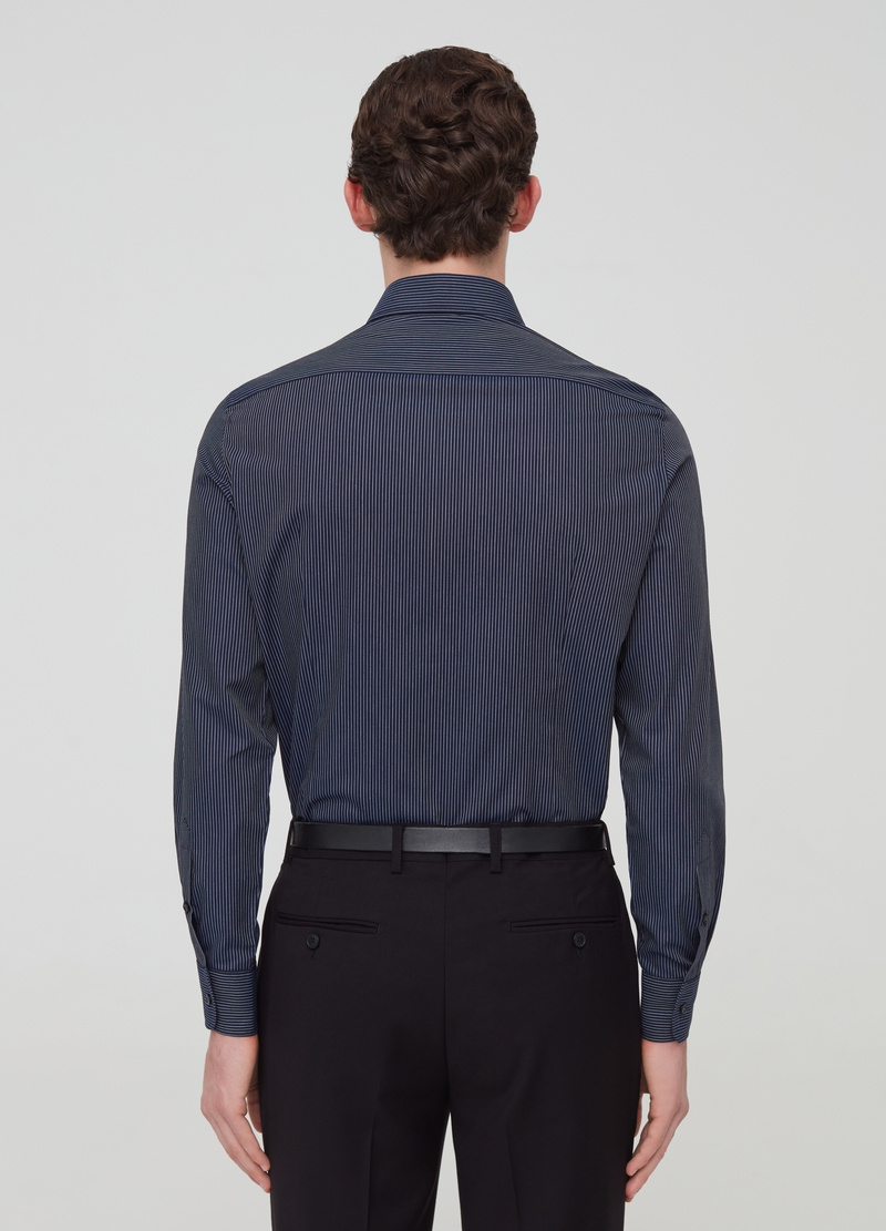 Slim-fit shirt with cutaway collar and pattern image number null