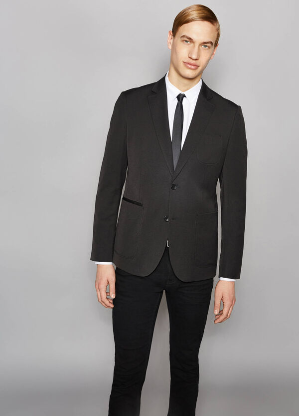 Elegant, slim-fit jacket with lapel collar