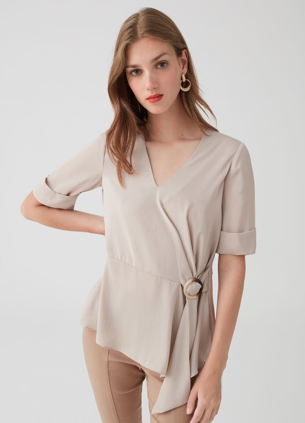 Short-sleeved blouse with tie on front