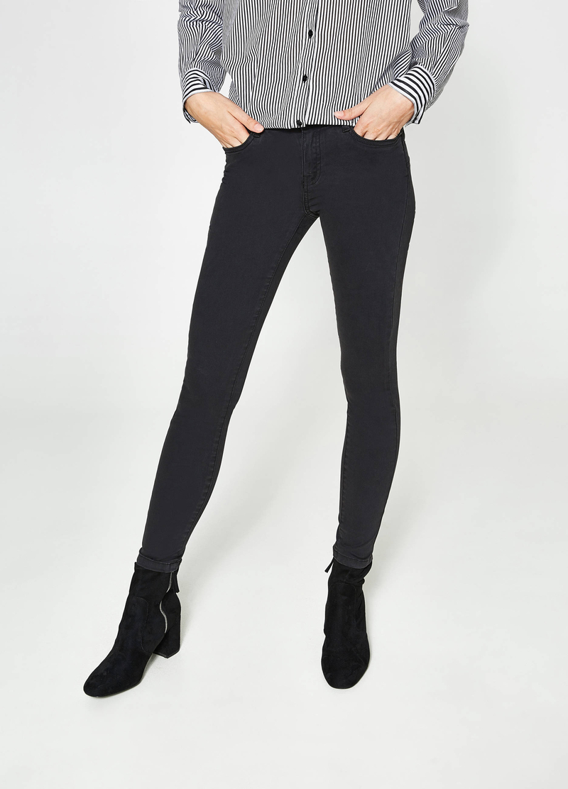 Solid colour stretch push-up jeans image number null