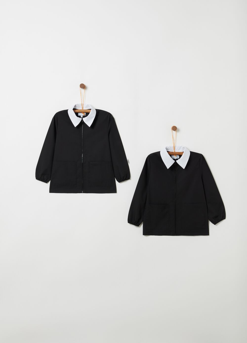 Set of school smocks with pockets and zip