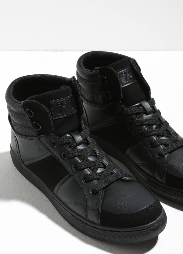 High sneakers with laces and patch | OVS