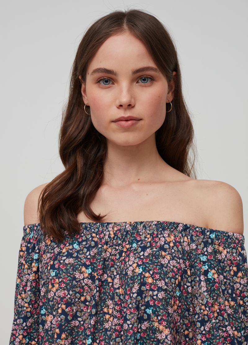 Stretch off-the-shoulder top image number null