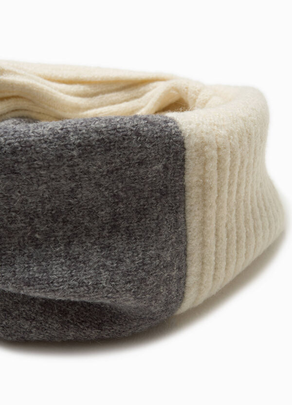 Two-tone neck warmer