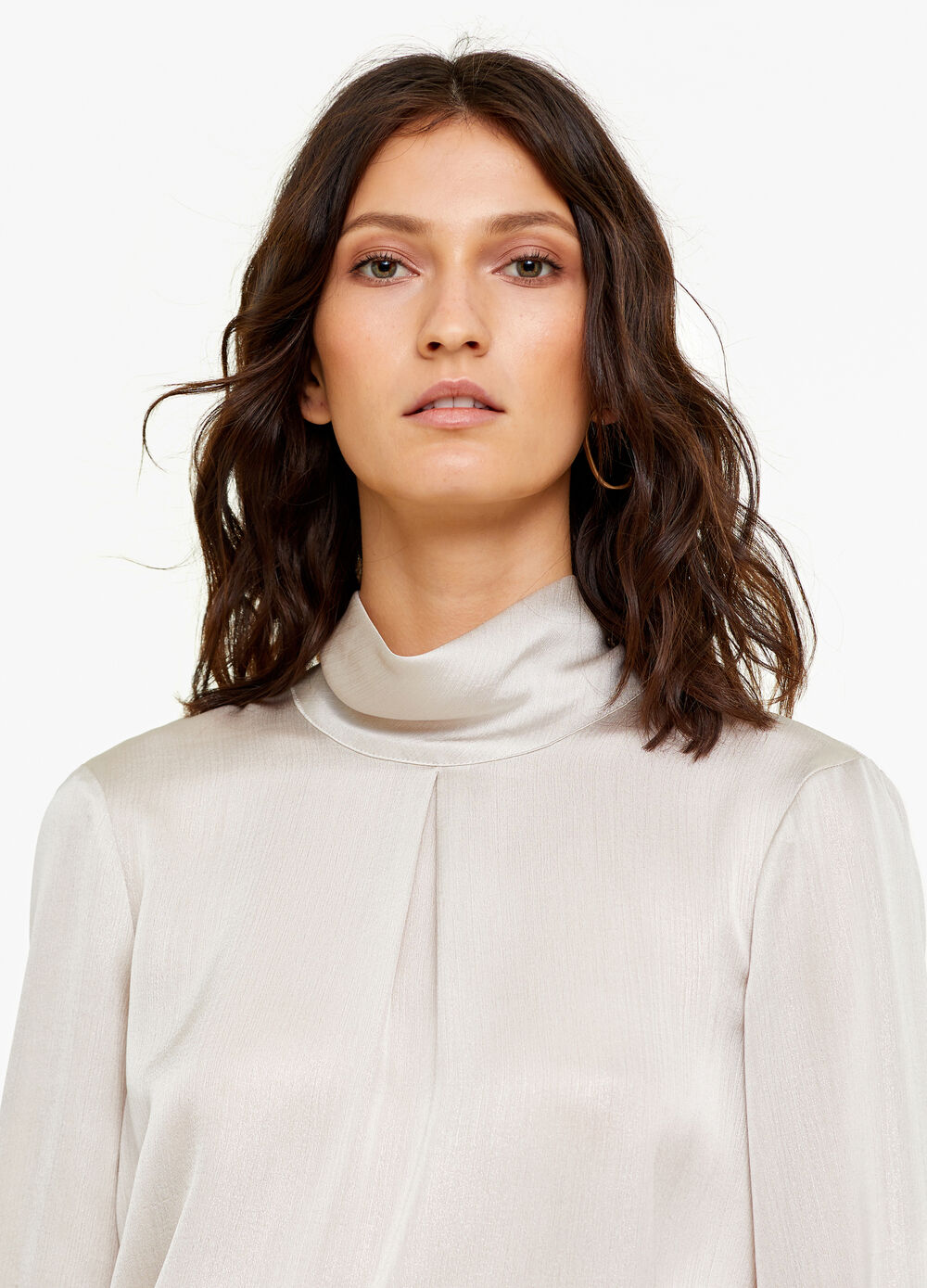 Shiny ribbed blouse with laces