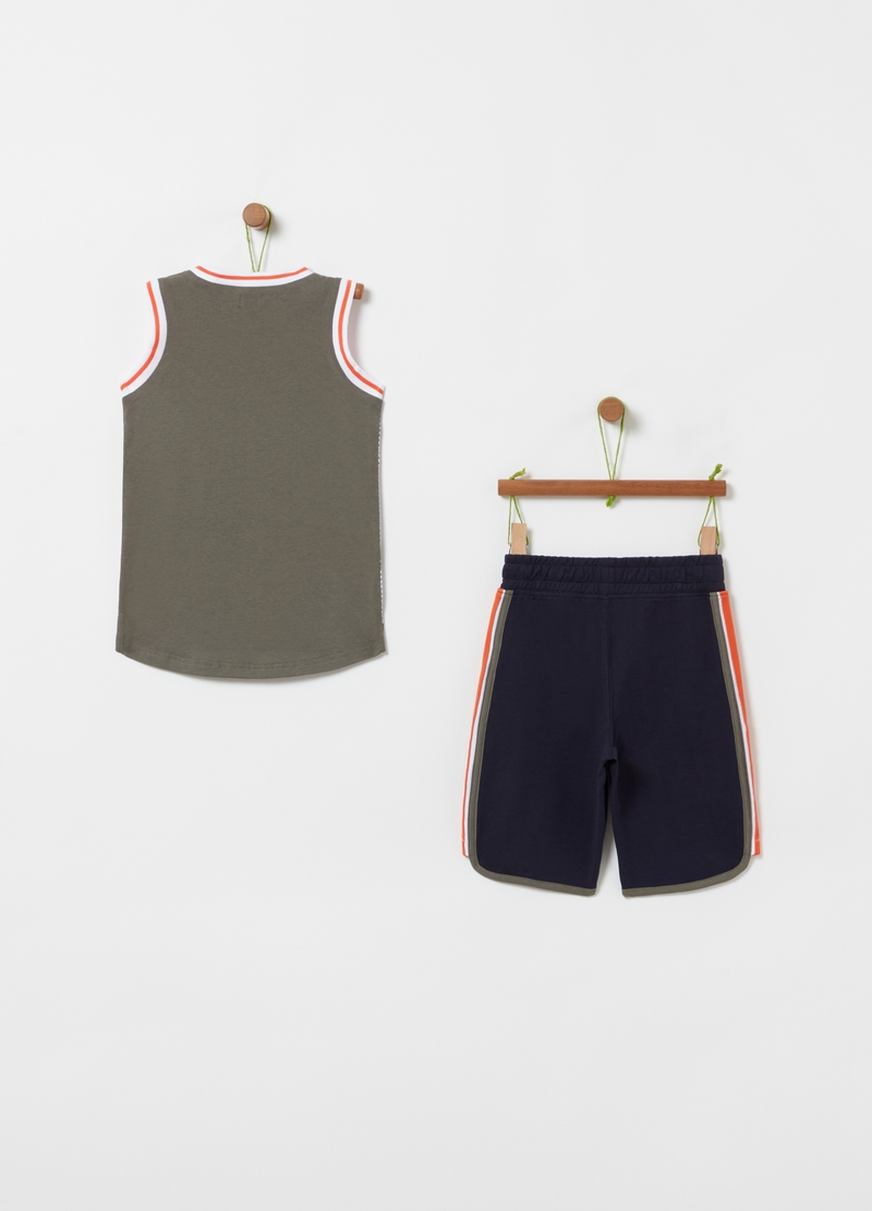Basketball jogging set with T-shirt and Bermuda shorts image number null