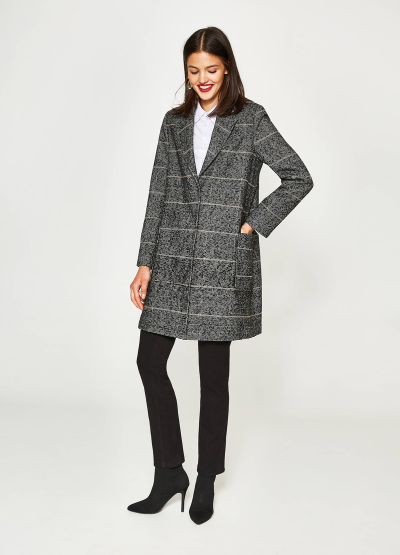Cappotto a righe con revers image number null