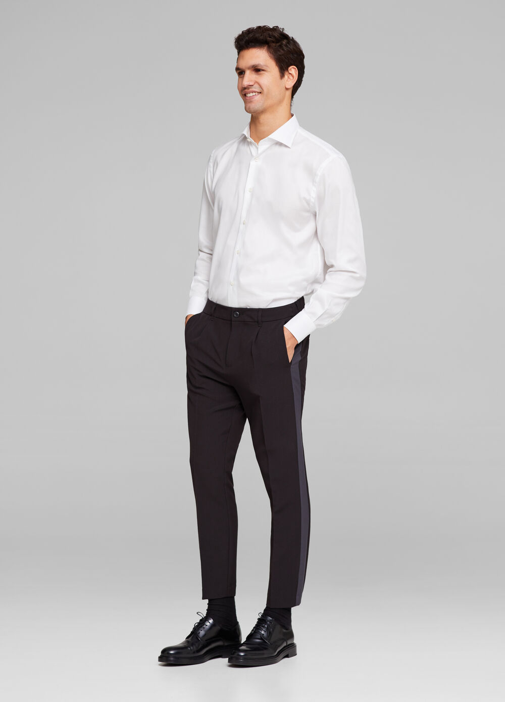 Pantaloni slim fit con bande laterali