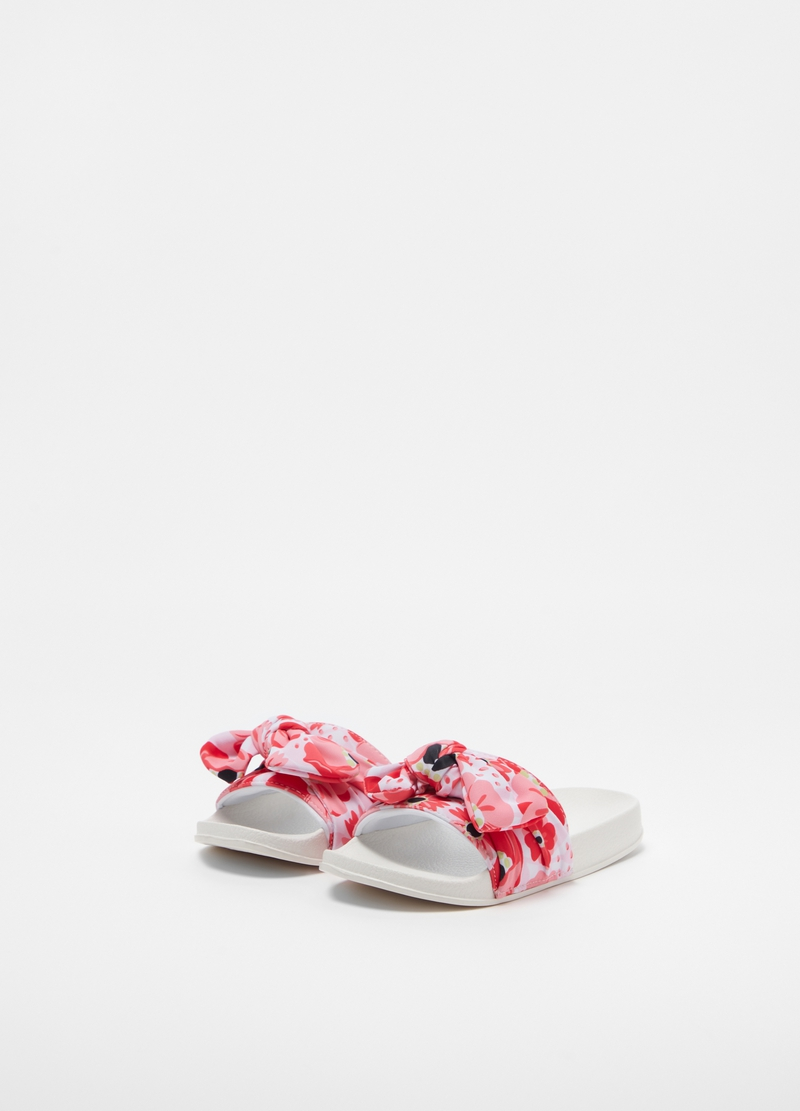 Slippers with floral fabric foot band image number null
