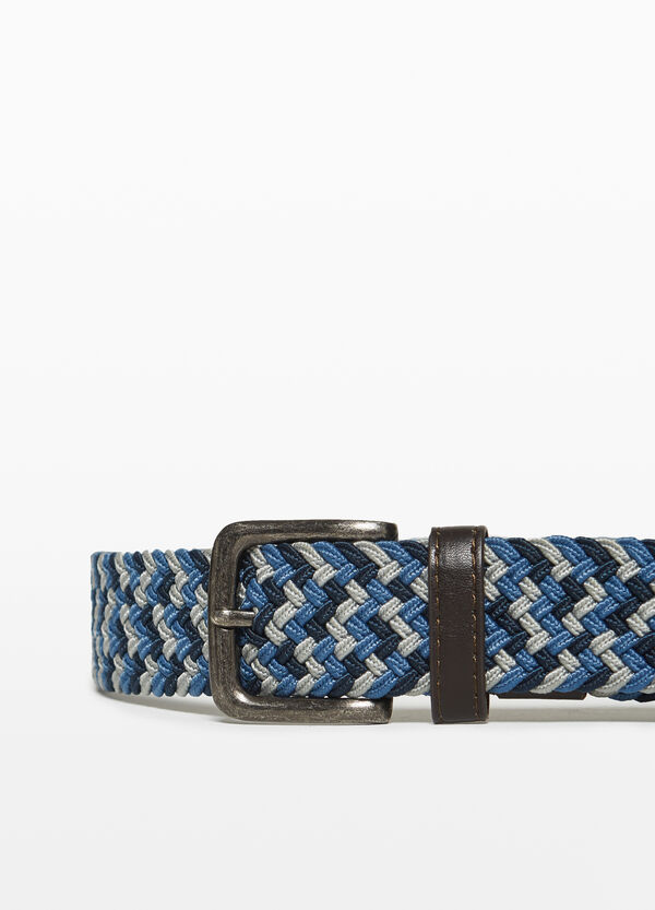 Belt with woven weave
