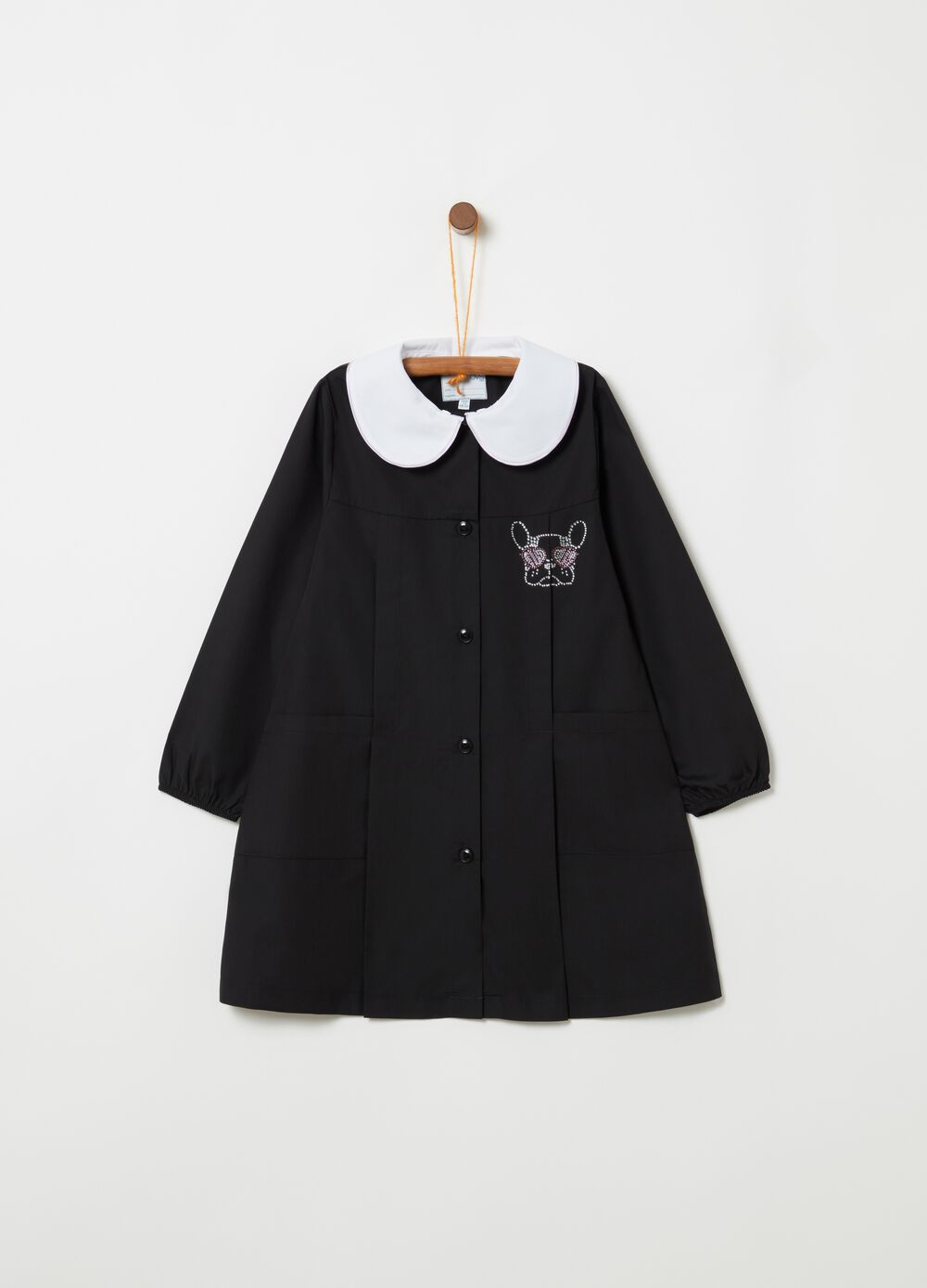 School smock with rounded collar and pockets