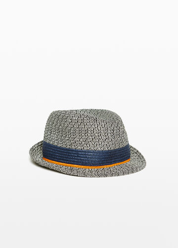 Wide-brimmed hat with pattern