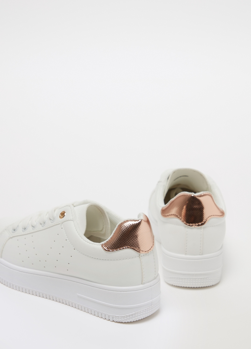 Sneakers con tallone a contrasto image number null