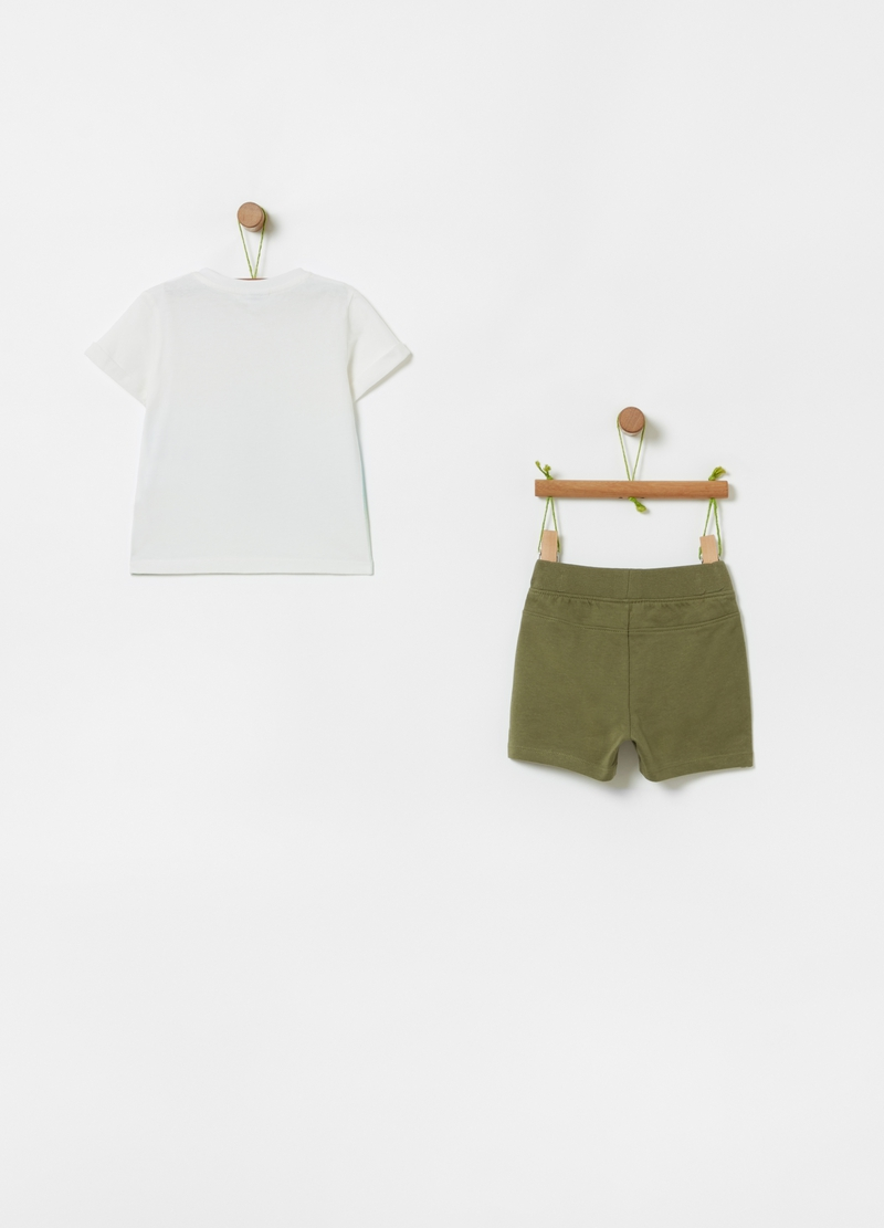 T-shirt and shorts jogging set with crocodile print image number null