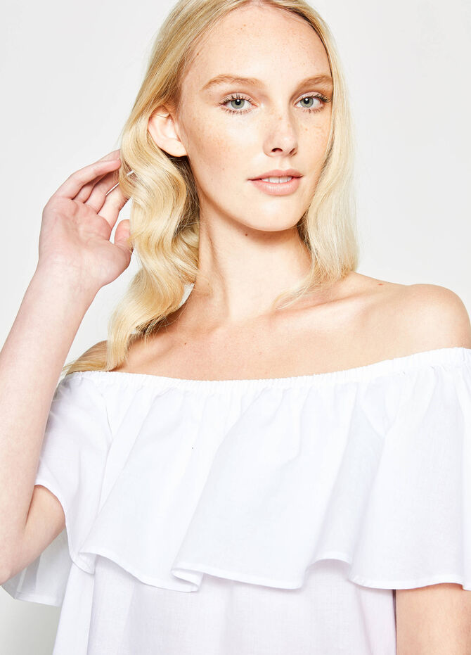 Blouse with boat neck and flounce