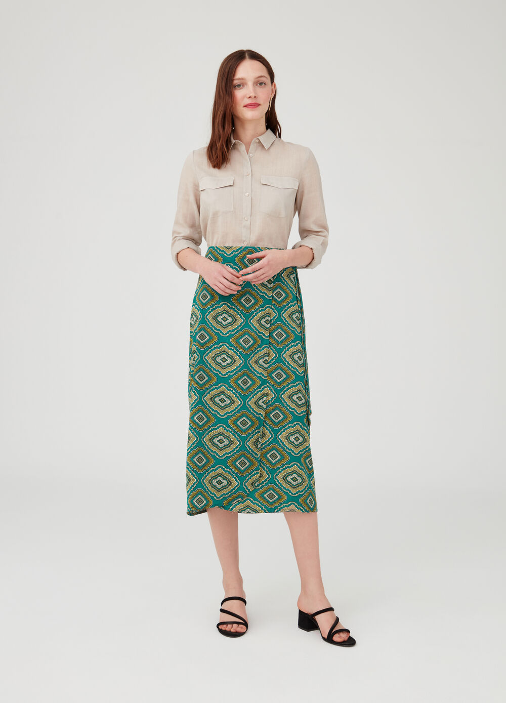 Long skirt with patterned sash waist