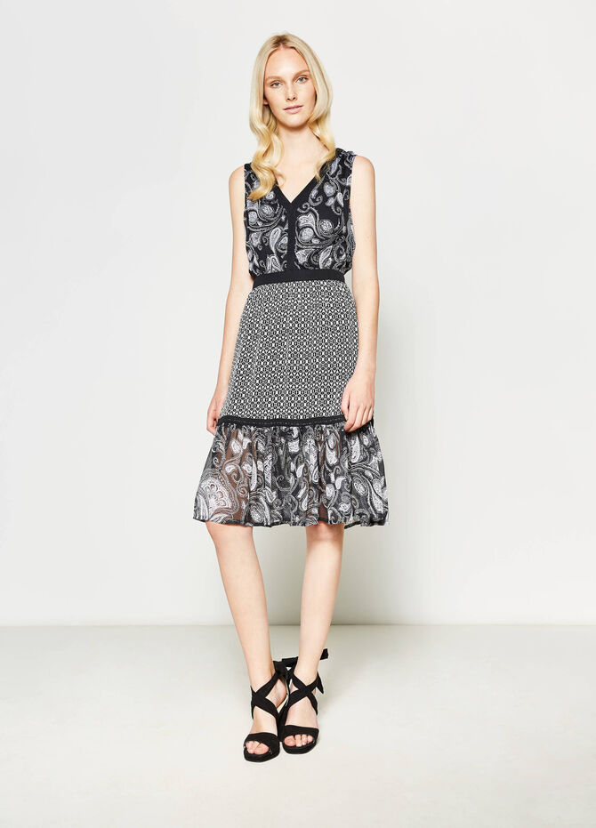 Sleeveless dress with all-over print