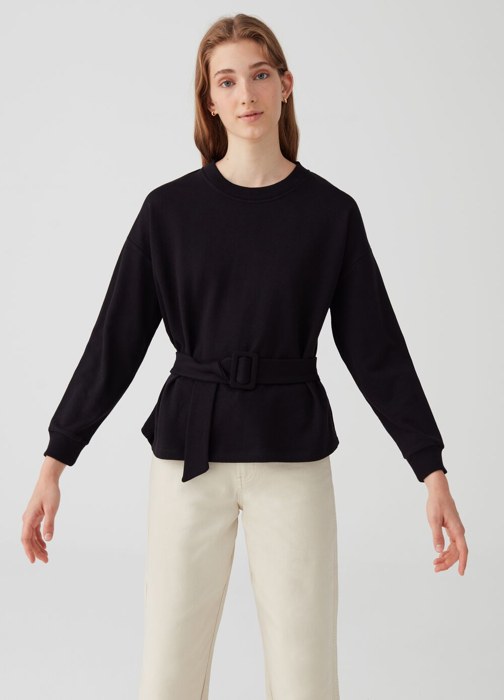 Round-neck sweatshirt belt with buckle