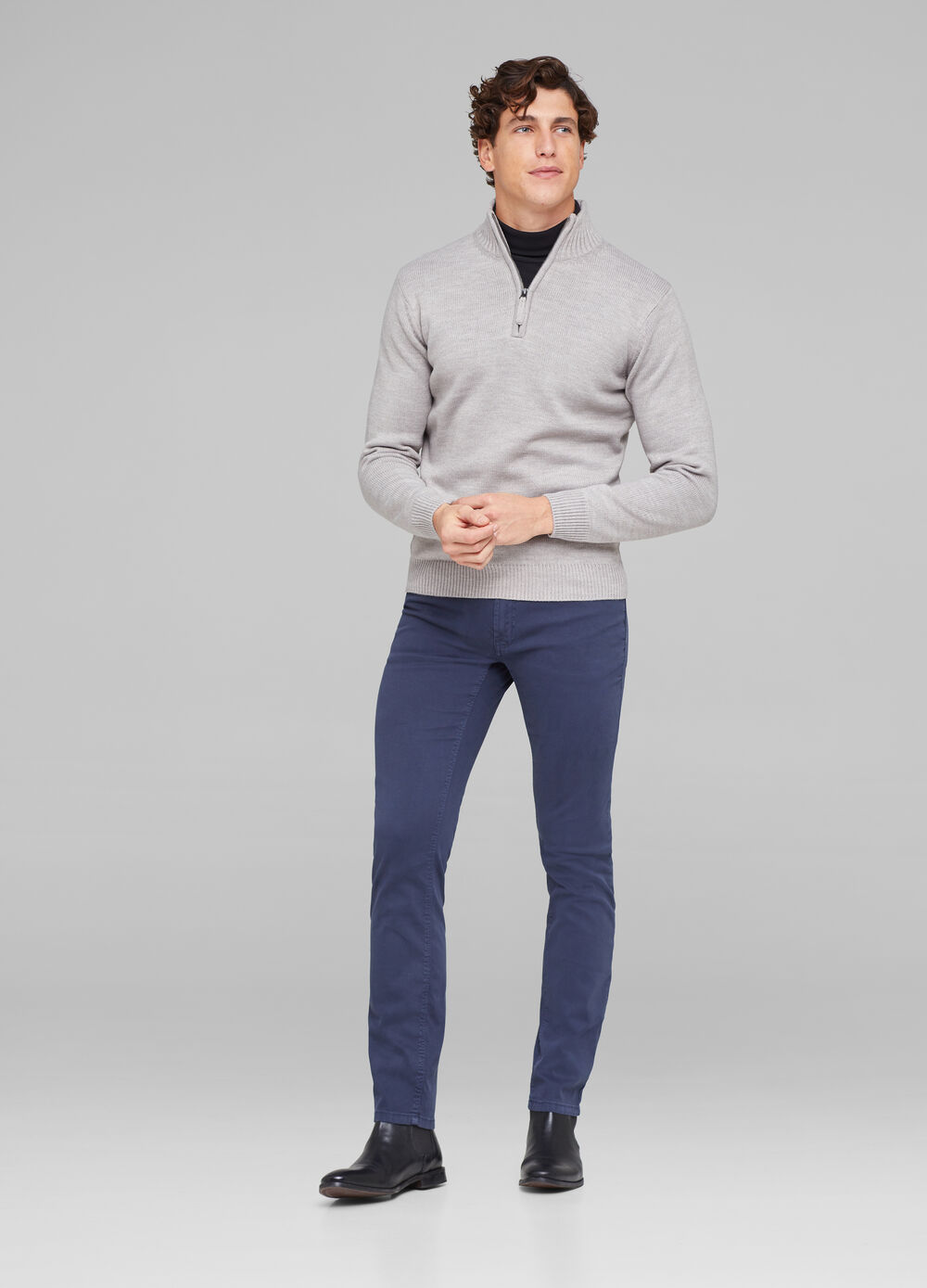 Solid colour knit pullover with zip