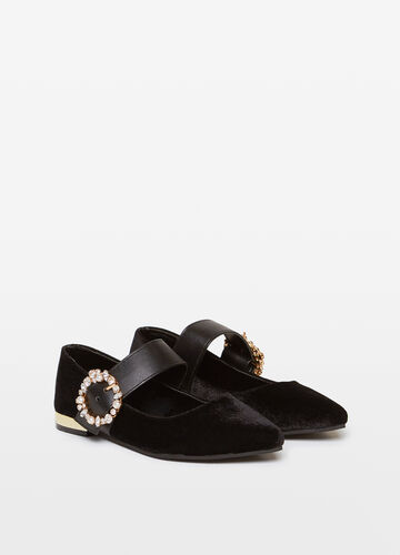 Pointed ballerina flats with strap and diamantés