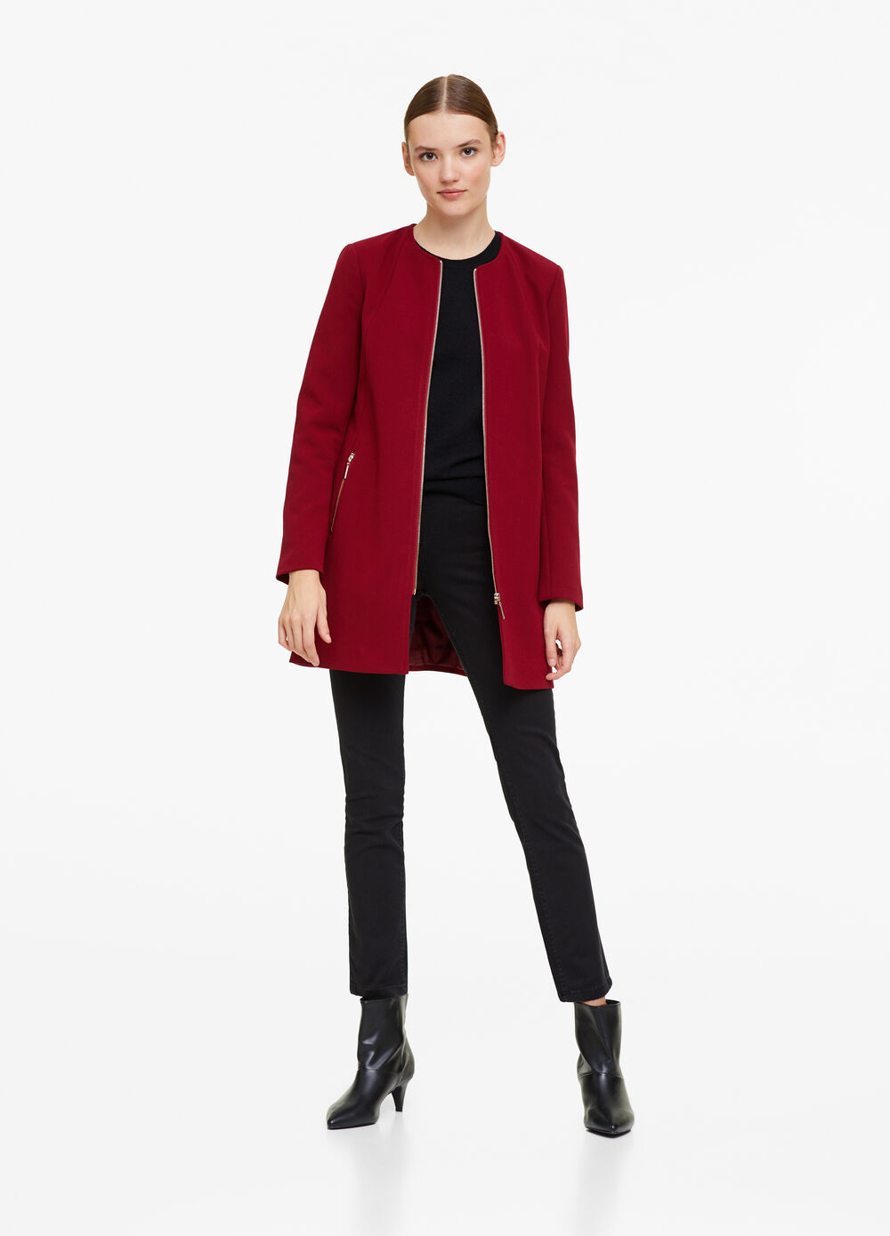Coat with round neck and zip