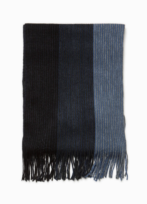 Two-tone scarf with striped knitting