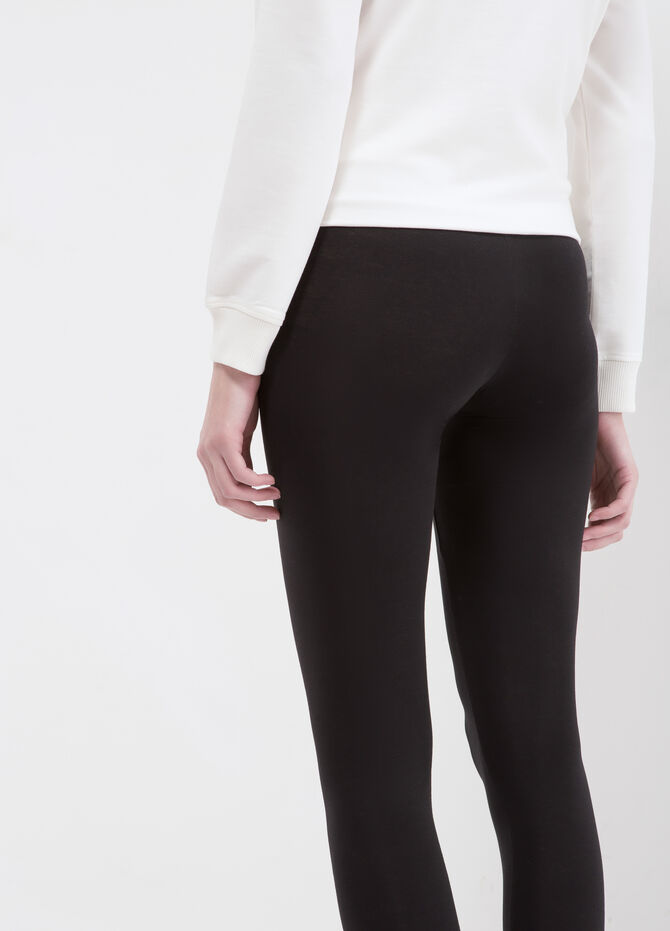 Solid colour stretch leggings