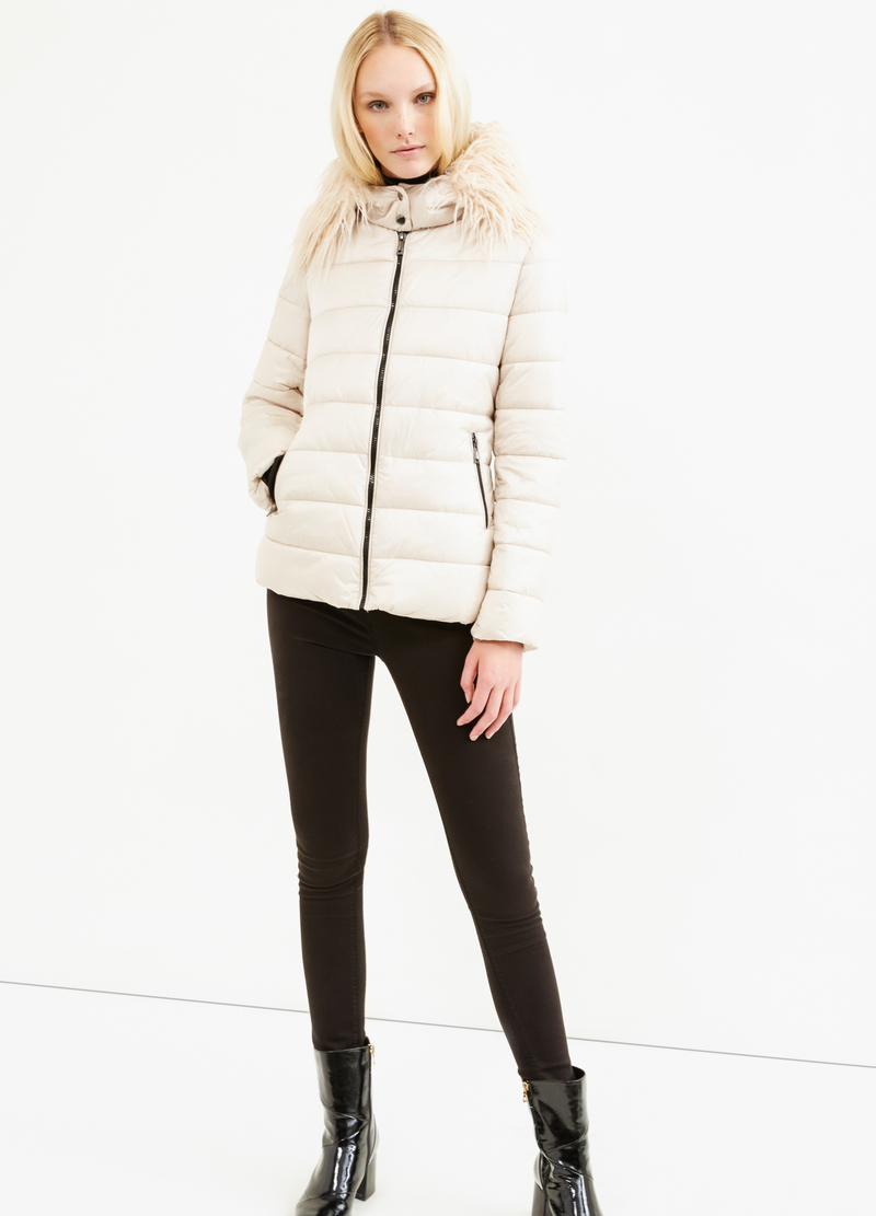 Down jacket with hood and fur image number null