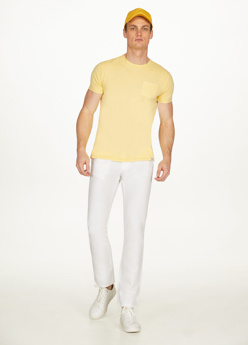 Solid colour 100% cotton T-shirt with pocket