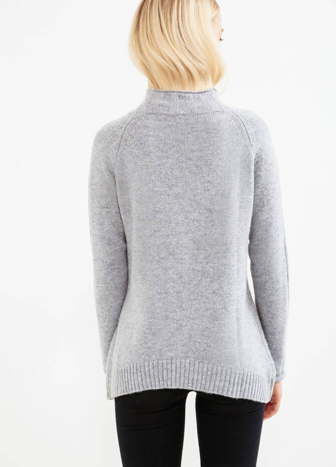 Solid colour wool blend pullover.