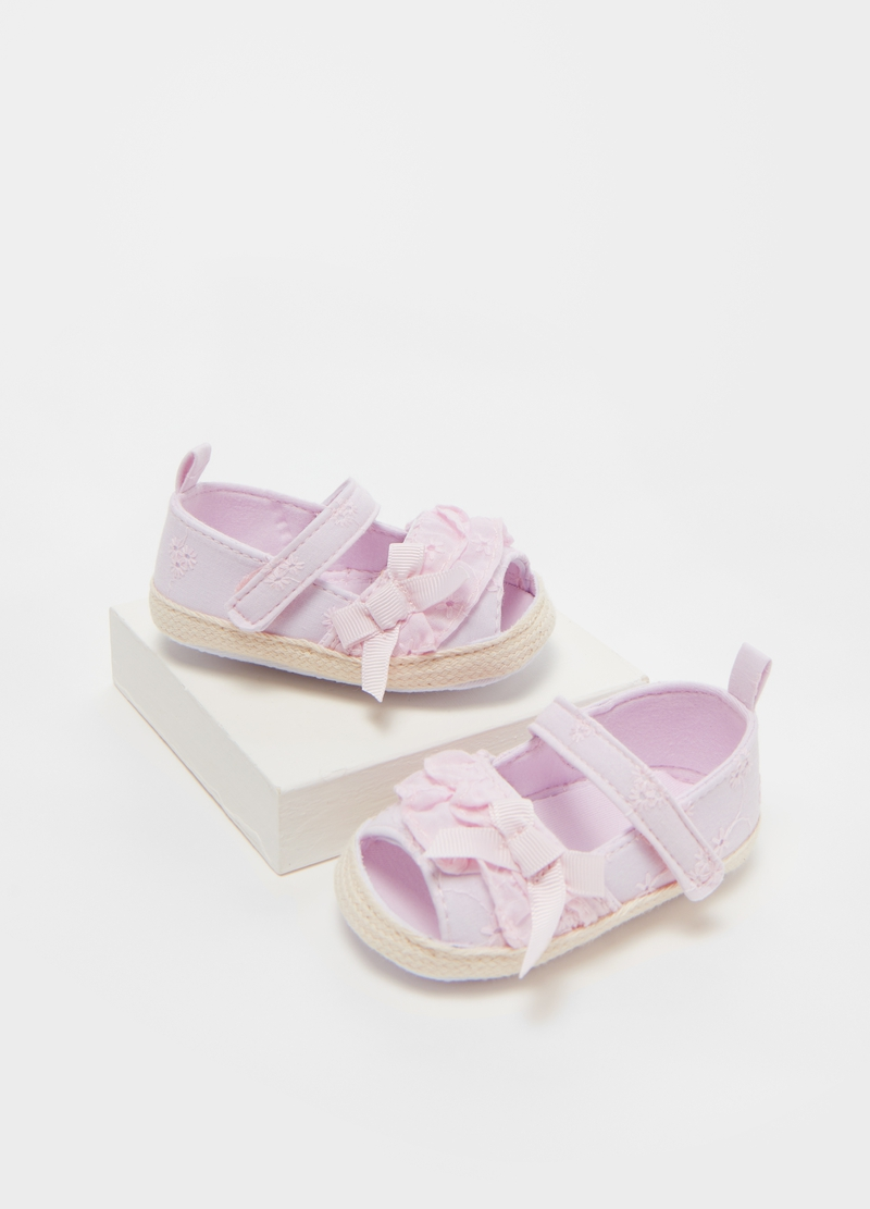 Cotton sandals with embroidery and bows image number null