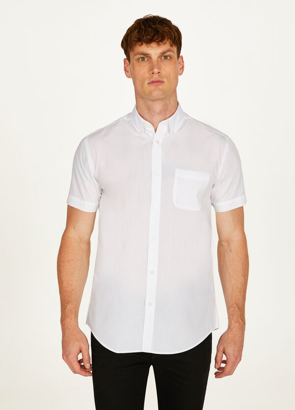 Regular-fit formal shirt with button-down collar