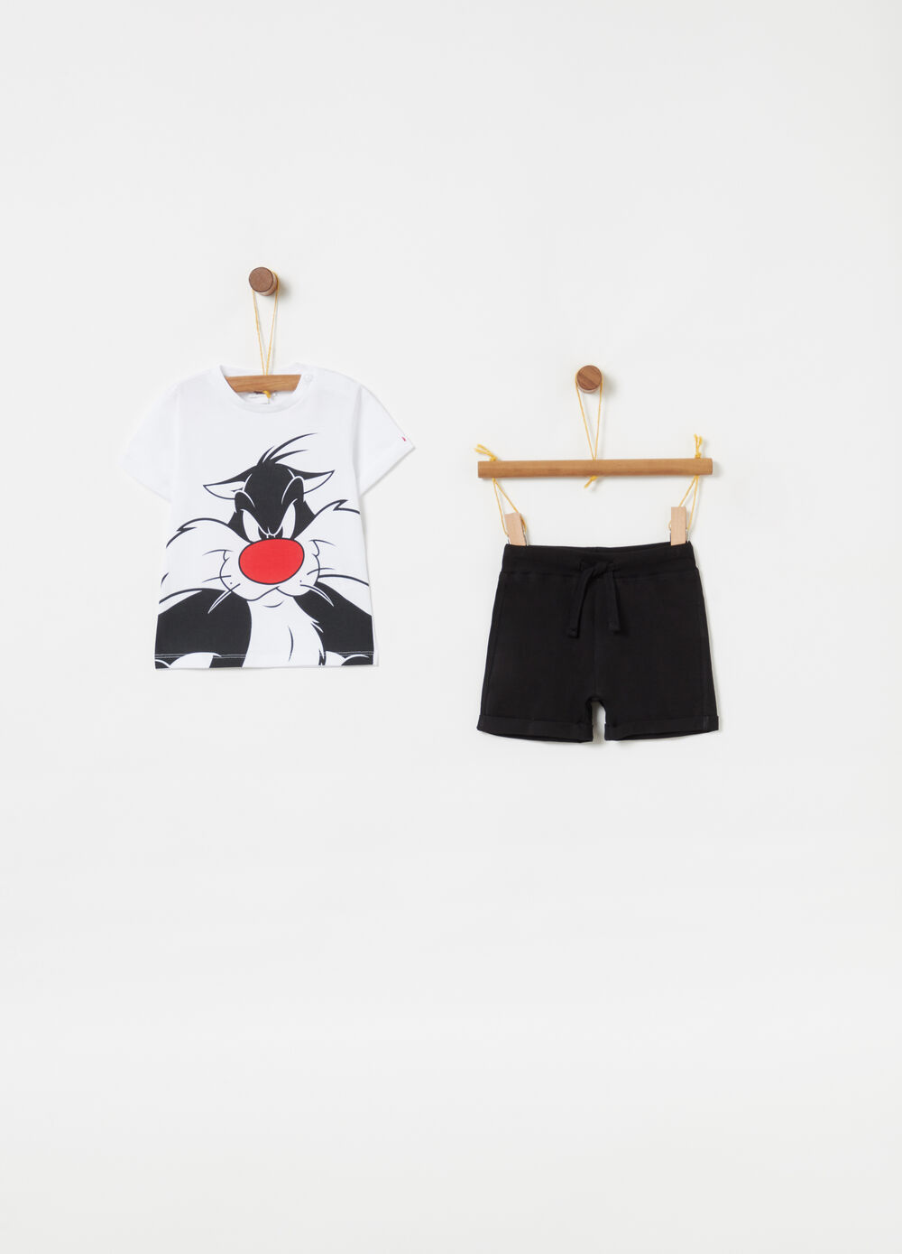 Bugs Bunny T-shirt and shorts jogging set