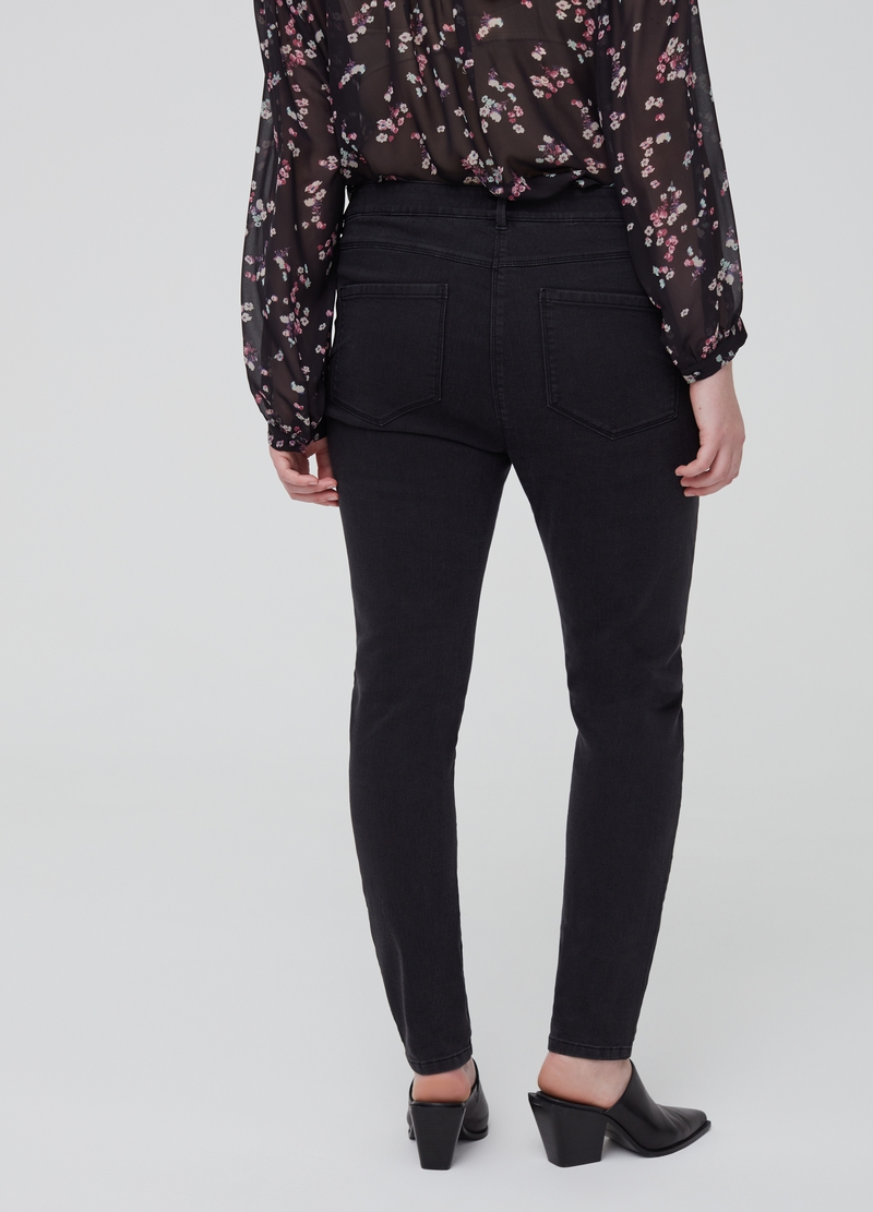 Curvy stretch jeans with five pockets image number null