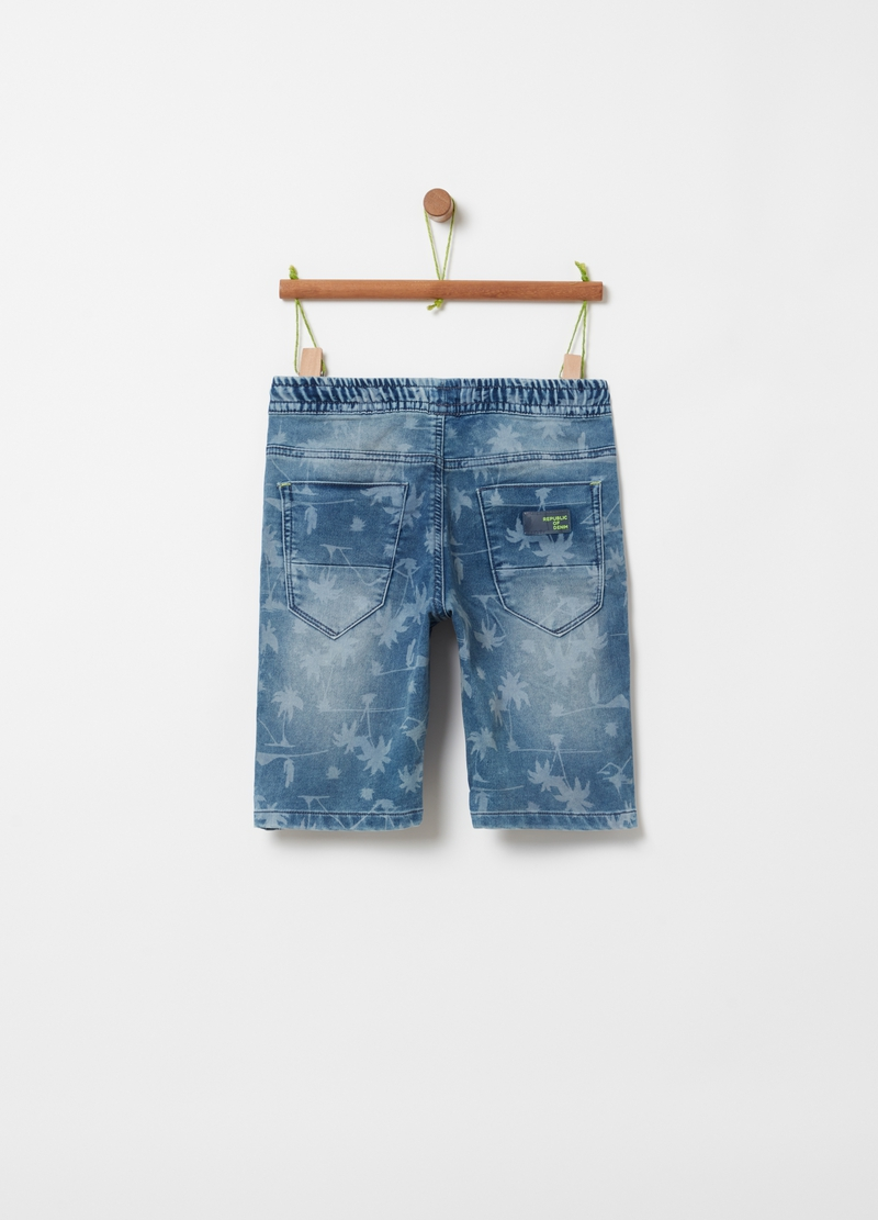 Denim Bermuda shorts with palms pattern image number null