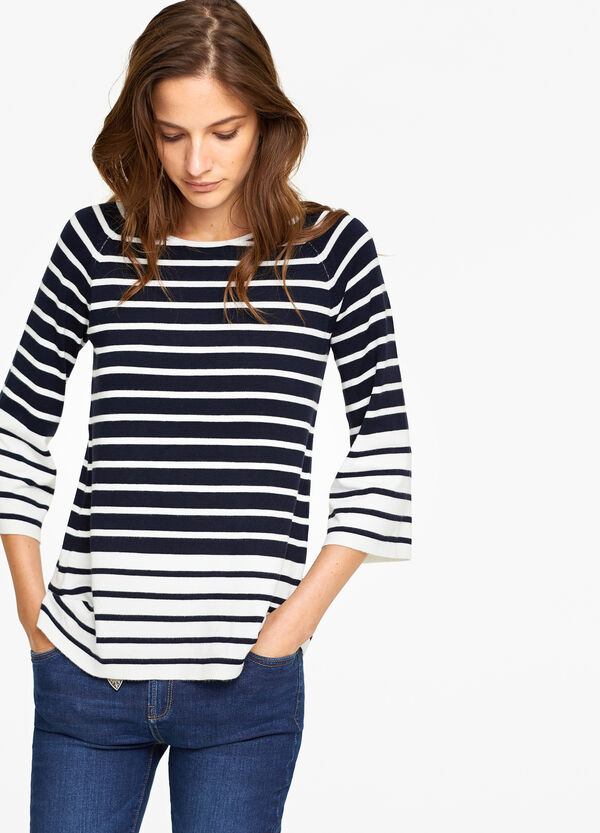 Stretch knitted pullover with stripes