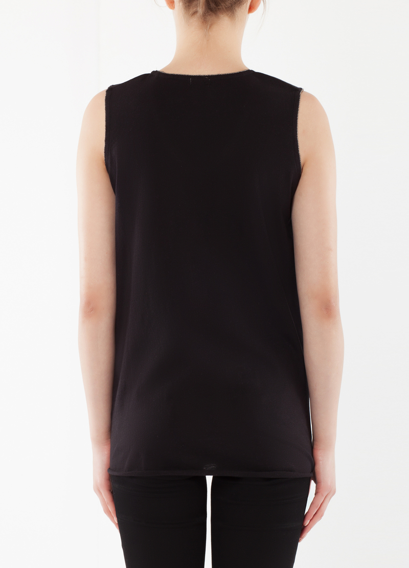 Asymmetrical top with writing image number null