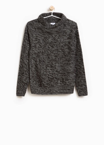 Two-tone knitted pullover with shawl collar