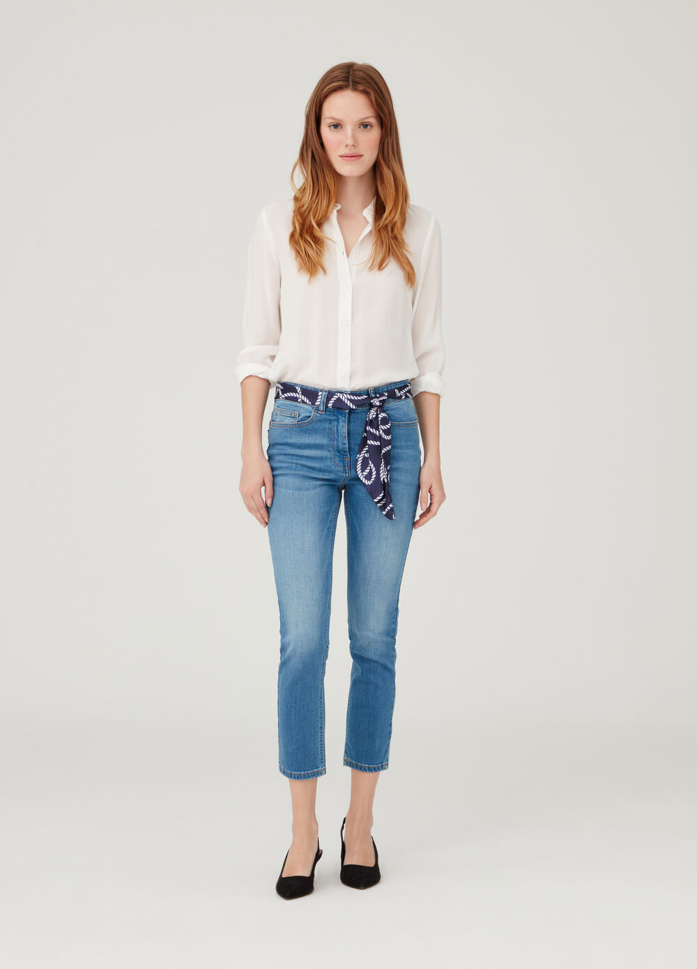 Ankle-fit jeans with sash at the waist