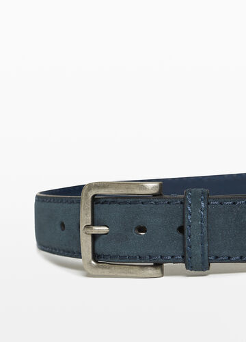 Belt with matt buckle